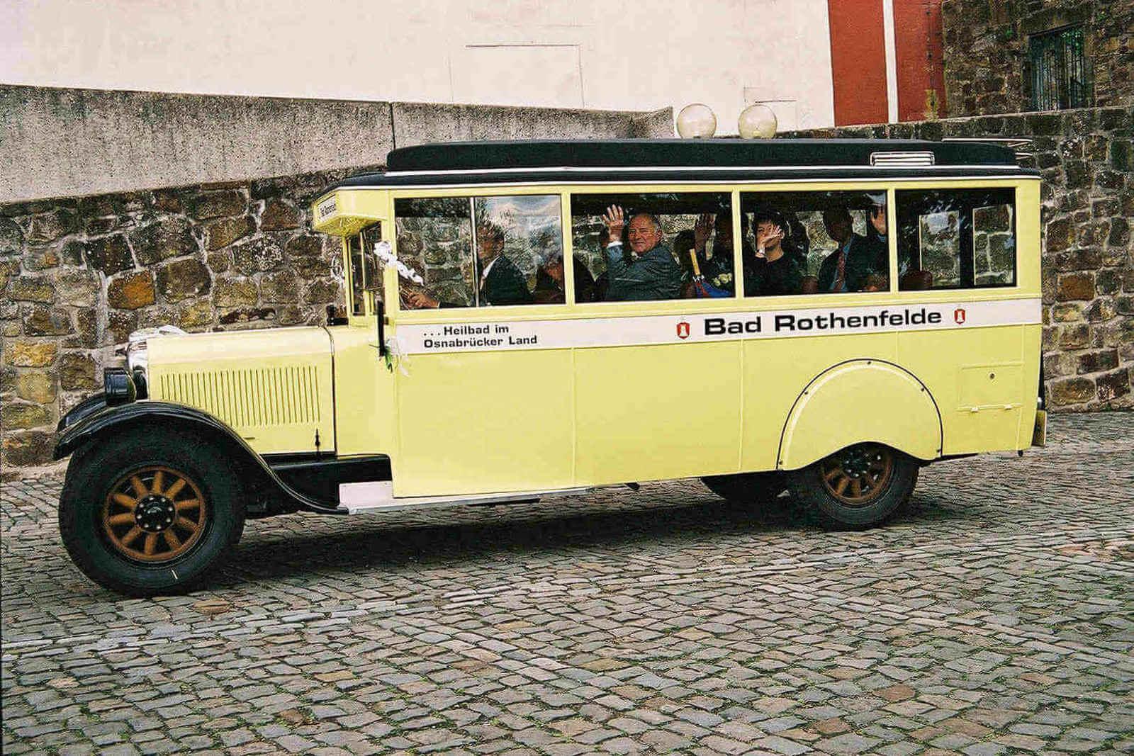 Brennabor-Oldtimer-Bus_3