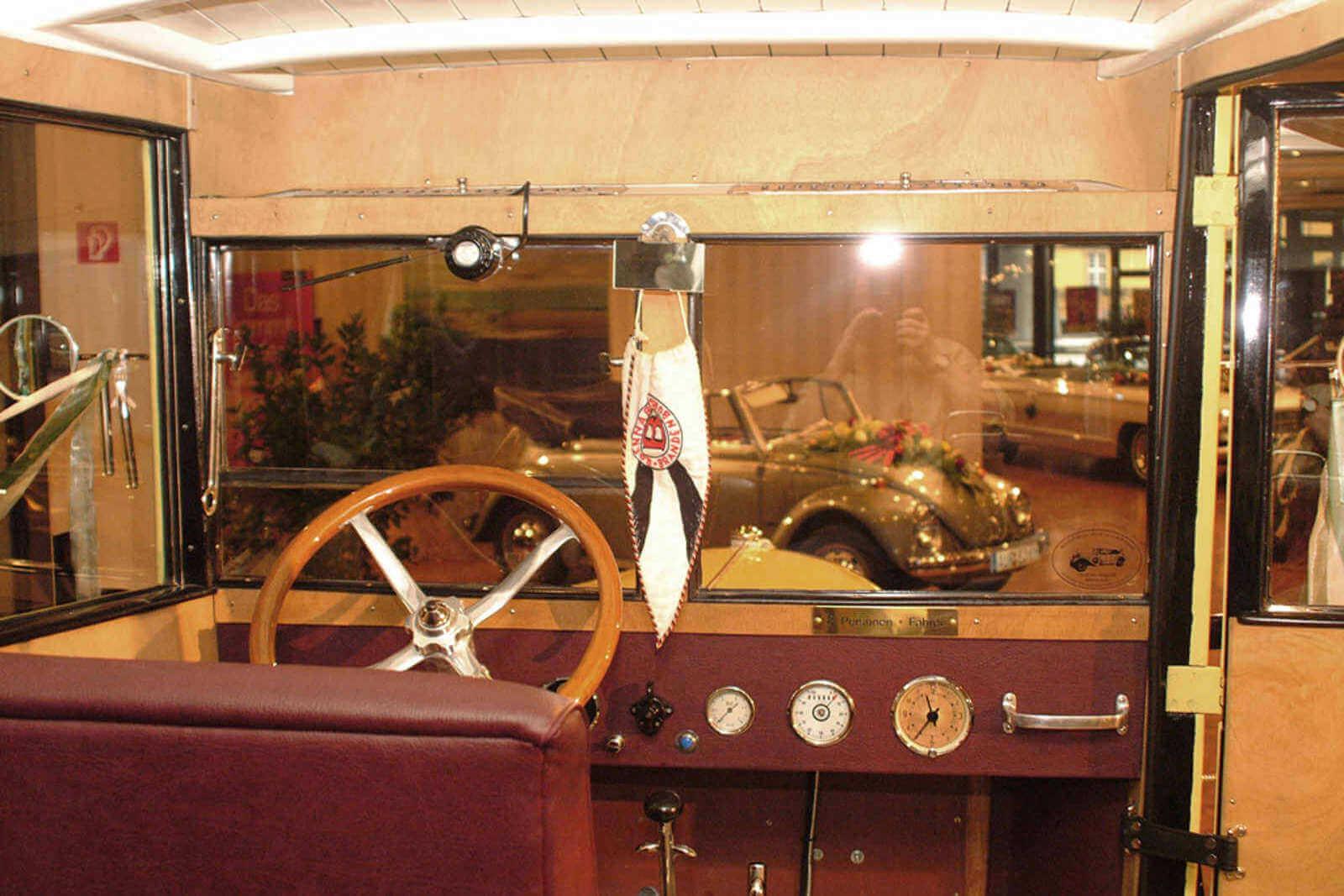 Brennabor-Oldtimer-Bus_6