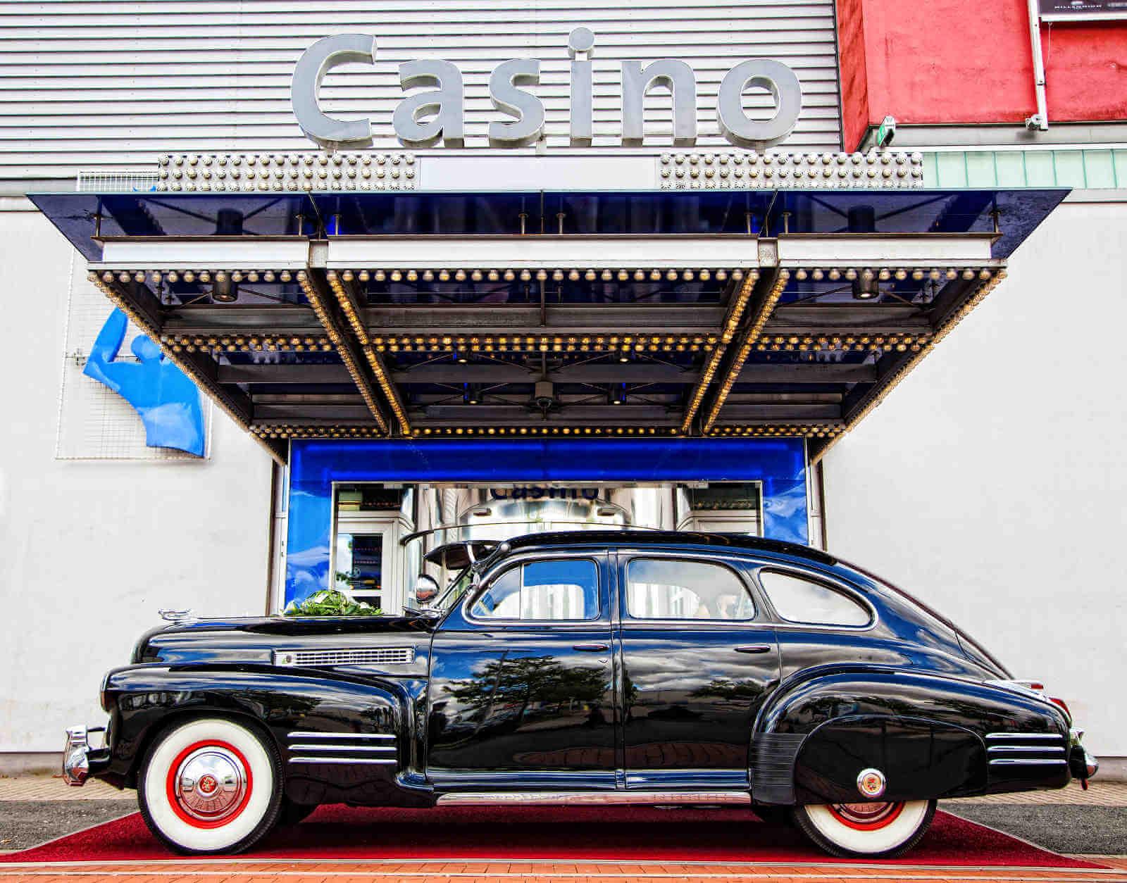 Cadillac Touring Sedan_10