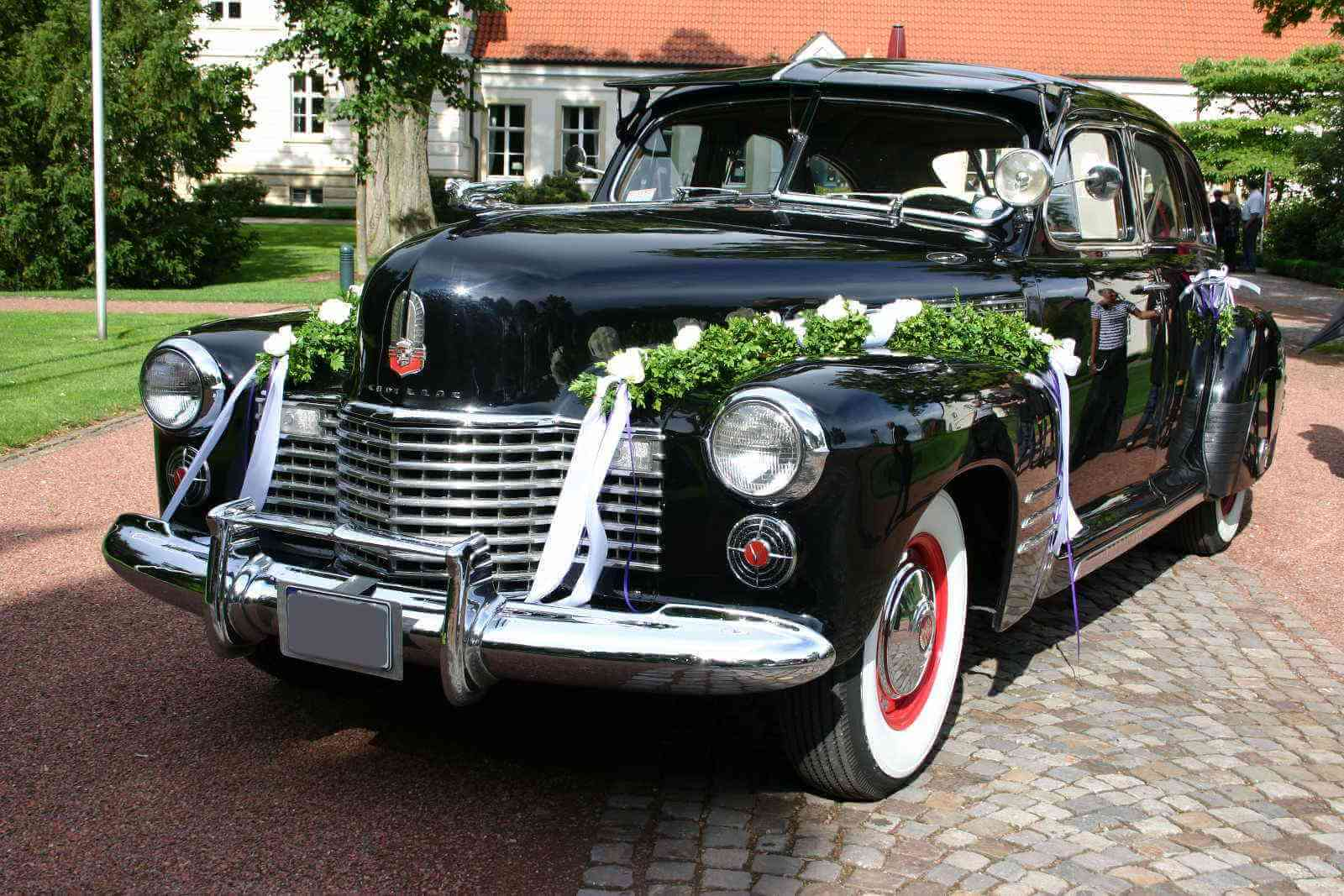 Cadillac Touring Sedan_8