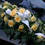 1.16 Gesteck mit Blumen der Saison